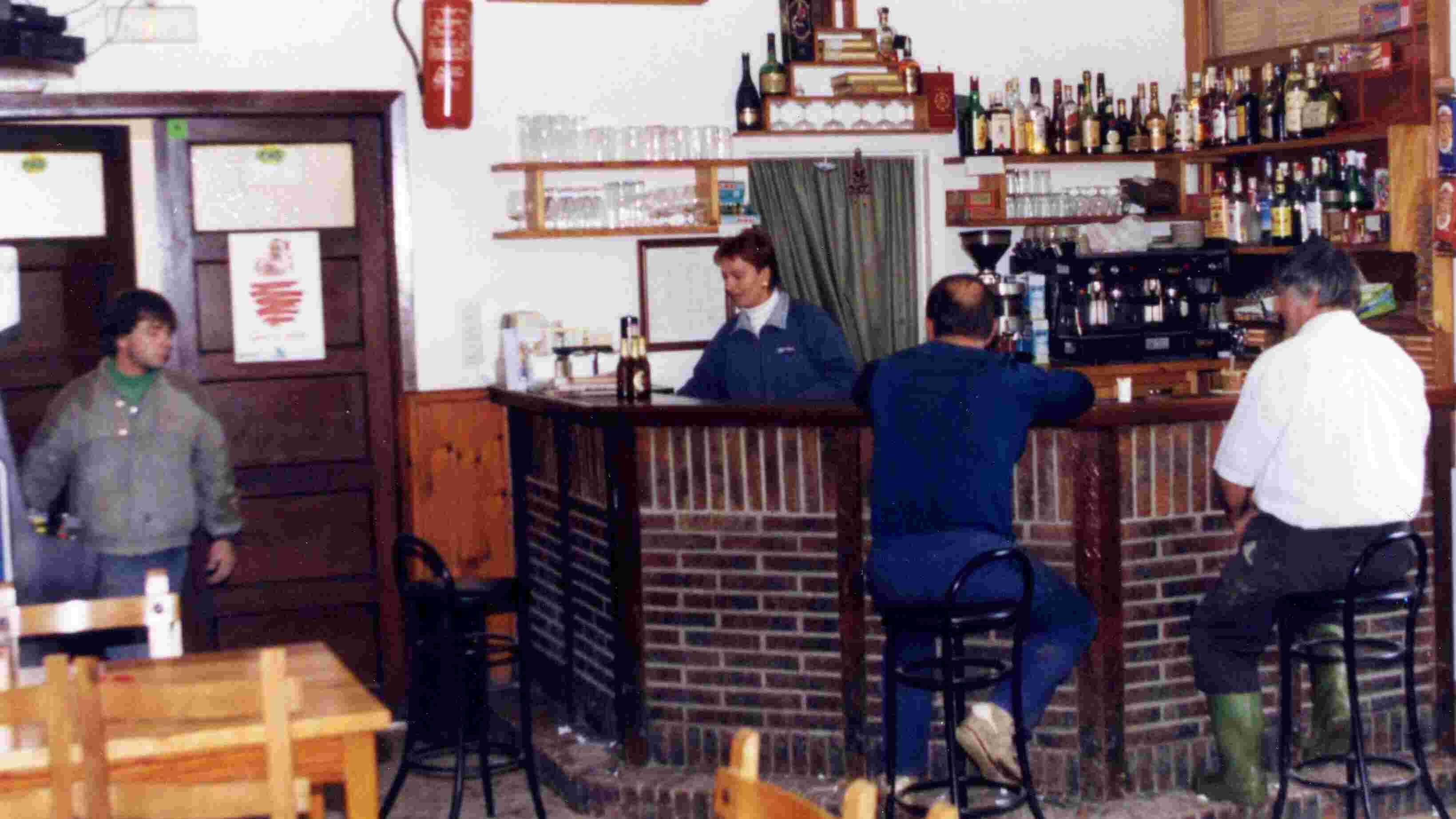 Los afiliados y simpatizantes de la izquierda nacionalista vasca solían reunirse en herriko tabernas o bares.