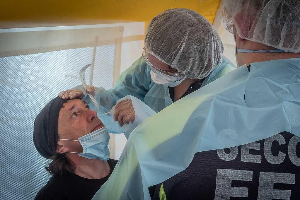 En el año 2021, los sanitarios continuarán realizando pruebas PCR.