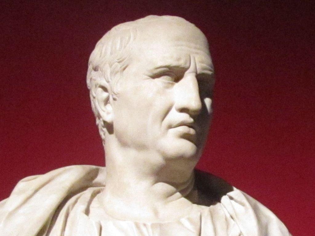 El gran orador Cicerón dominó el arte de hablar en público en el Senado Romano.
