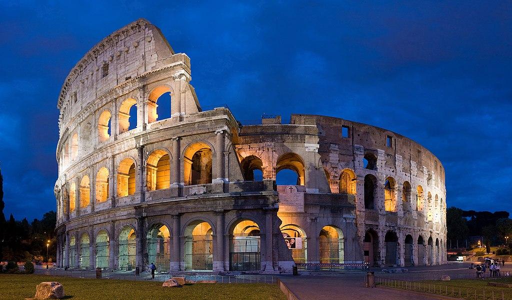 El Coliseo Romano, lugar donde se congregaba la multitud para presenciar grandes espectáculos.